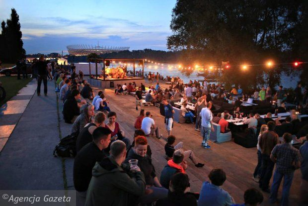 VISTULA RIVERSIDE - boozing with night life area with many bars and clubs.