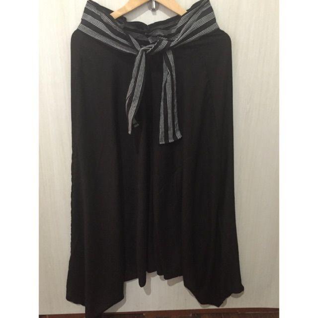 Temukan dan dapatkan Celana ubed lurik Tenun hanya Rp 119.000 di Shopee sekarang juga! http://shopee.co.id/imanggoethnic/240123490 #ShopeeID
