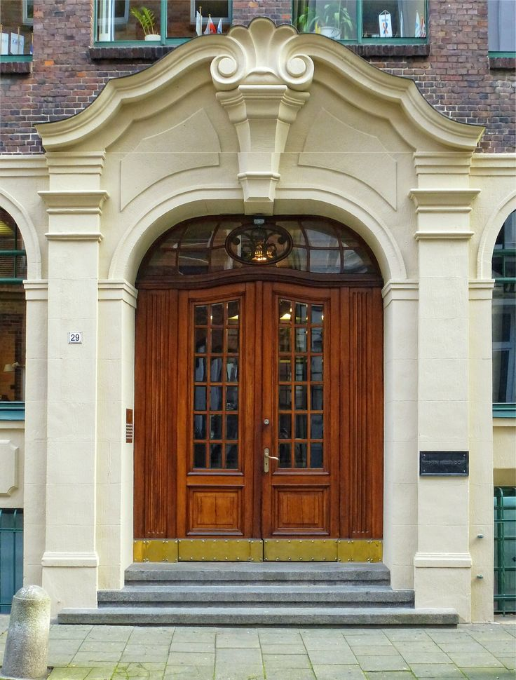 Beautiful Door in Hamburg, Germany. Image/txmx 2.