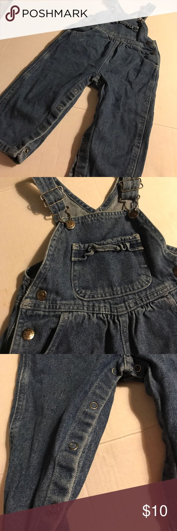 Overalls for Girls, Snaps on Inside leg, Size 2T Adjustable straps, front and back pockets. Ruffles denim Detail on front pocket and back pockets. Arizona Jean Company Bottoms Overalls
