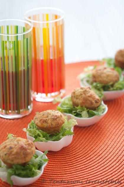 Tentazioni irresistibili: Finger food...mini-mini (ma proprio mini) muffin salati ai semi di papavero e pistacchi
