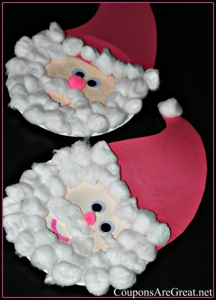 Paper Plate Santa.. Makayla would love to do this since she likes getting into my cotton balls ;)