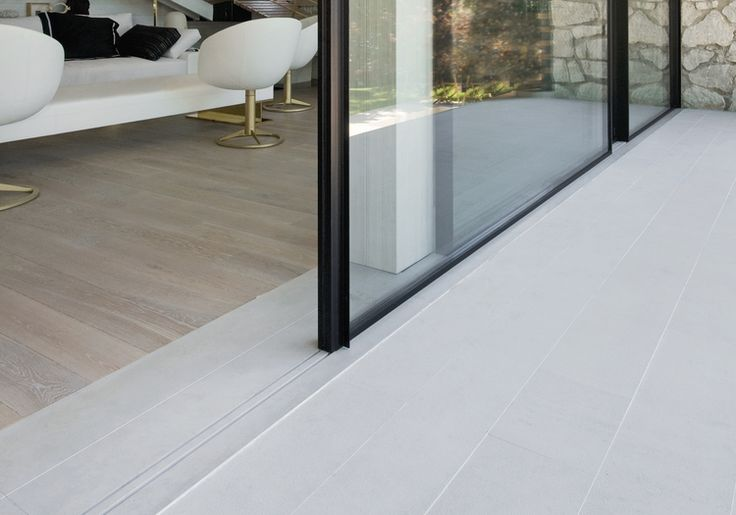 Vitrocsa large panel invisible tracks minimal frames not Keller