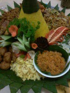 Catering tumpeng 085692092435: 0811-8888-516 Pesan Nasi Tumpeng Di Cibubur