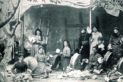 ADIC - V - La femme arménienne dans l'histoire, dans la littérature et dans la société - Armenie / Armenia - Armenian History and Litterature