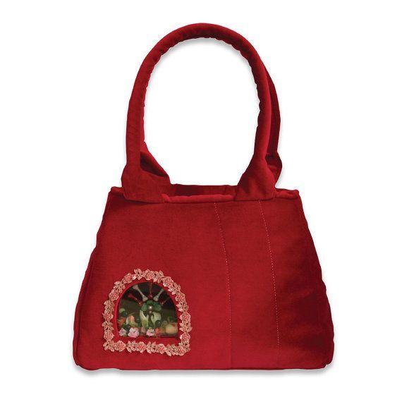Retro Handbag Red Treasure small  based on the by VitaOcculta