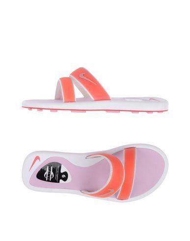 NIKE . #nike #shoes #sandalen
