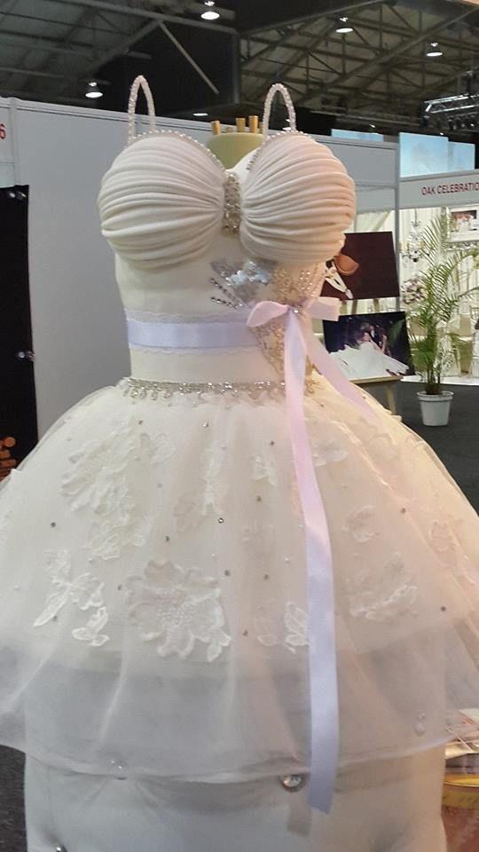 BreadAhead Bridal Dress cake