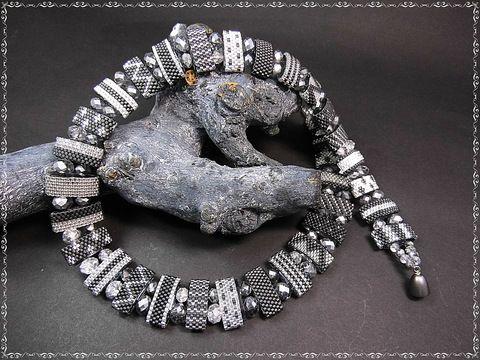 Opulentes Collier Perlen aus Perlen Peyote Delica by simply-alex-perlenshop, UNIKAT Bei diesem einmaligen Schmuckstück habe ich elipsenförmige Trägerperlen mit hochwertigen, ...