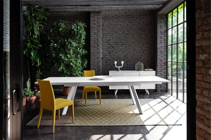 Calligaris | Ponente Extending Dining Table | Available in a number of finishes.