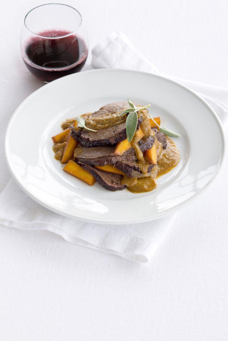 Impara insieme a Sale&Pepe come cucinare un buon brasato e scegli una tra le migliori ricette di brasato da servire durante una cena speciale.