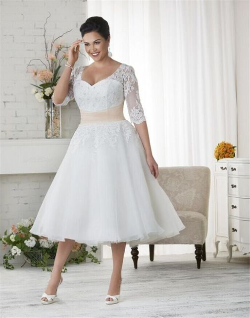 Popular 2017 White Lace Plus Size Wedding Dresses Short Vestido de Novia Tulle Applique Half Sleeve Mid Calf Elegant