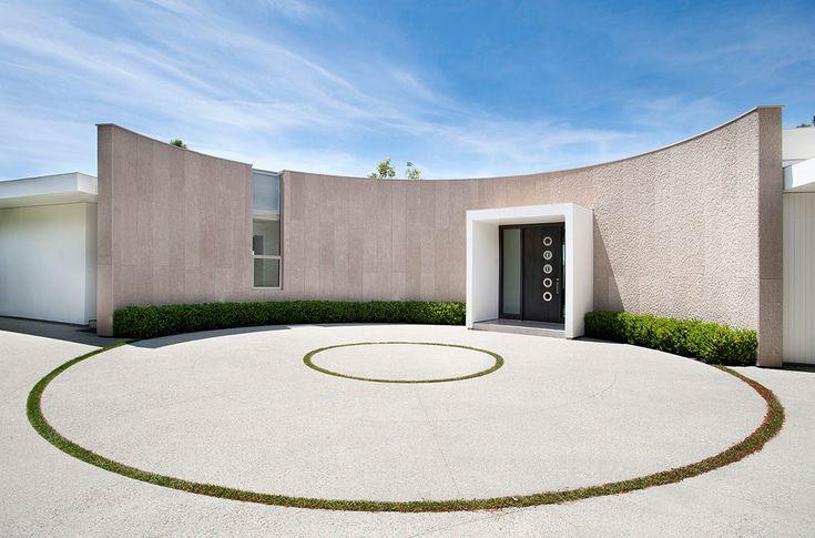 Se mantuvo su fachada circular como homenaje a los años 60.