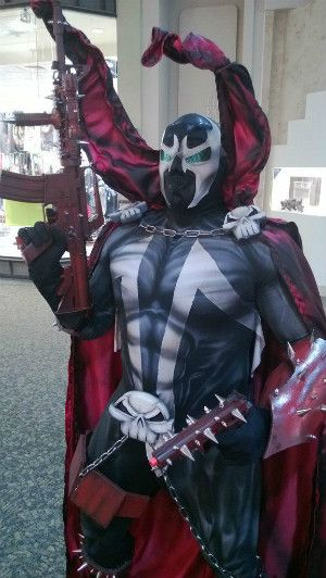 This is amazing! Todd mcfarlane is amazing when it comes to costume designs! This dude did such a great job!!!