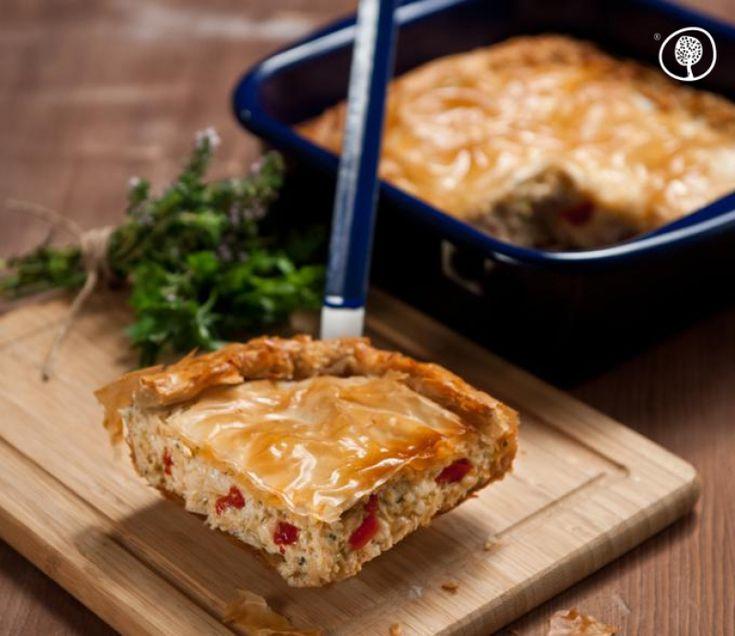Χορταστική κοτόπιτα που τρώγεται ως ορεκτικό αλλά και ως κυρίως πιάτο.