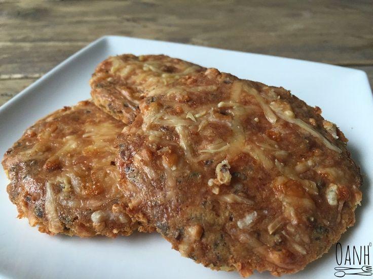 Als mensen beginnen met koolhydraatarm eten, zijn het vaak de boterhammetjes die ze missen. Deze kaasbroodjes vind ik een onwijs goed alternatief! Er zit veel smaak aan en je kunt ze beleggen met a…