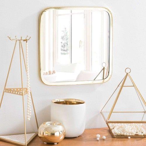 les 25 meilleures id es de la cat gorie miroirs carr s sur. Black Bedroom Furniture Sets. Home Design Ideas