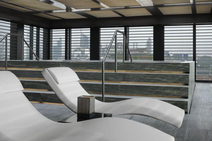 Armani Hotel Milano è il secondo hotel a essere aperto nel quadro del progetto Armani Hotels & Resorts, una collaborazione tra Giorgio Armani Spa ed Emaar Properties PJSC. L'estetica dell'Armani H
