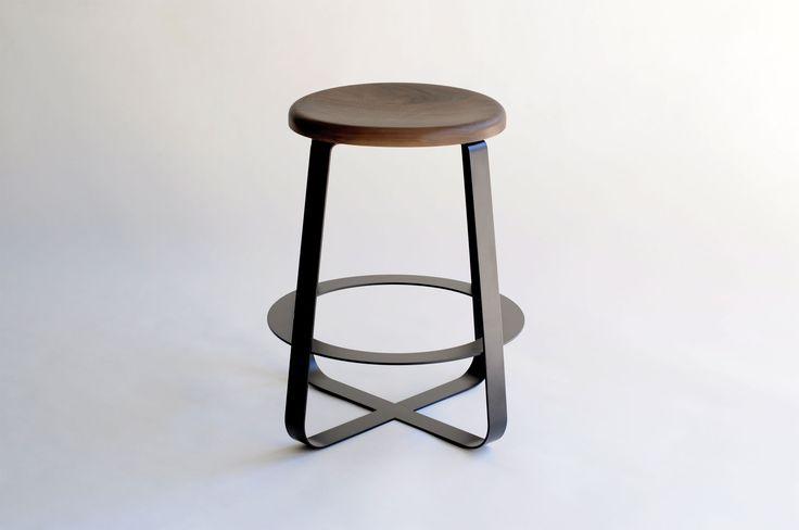 Black Polished Metal Basaed Bar Stool With Round Brown Teak Wood Seat With Kitchen Stool  Plus Black Luxury Bar Stools, Luxury Bar Stools: Furniture