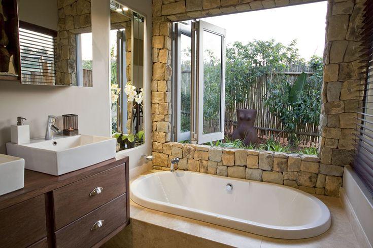 Stunning outdoor/indoor effect with Bathroom