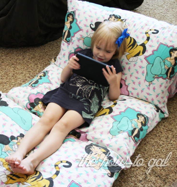 The How-To Gal: I Did It! Series: Pillow Pad from Twin SheetHow To Gal, Simple Ideas, Super Awesome, Howto Gal, Kids, Floors Pillows, Pillows Pads, Twin Sheet, Diy Projects