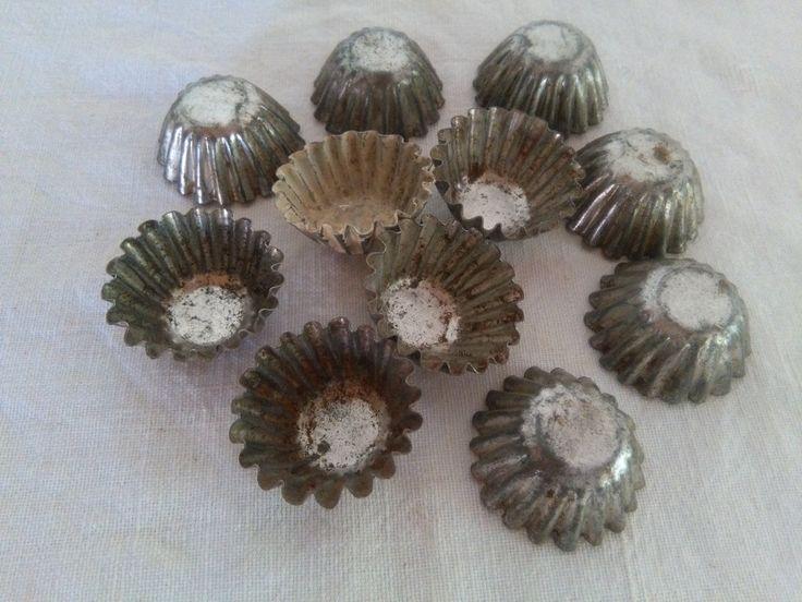 Lotto di undici formine per cioccolatini di CodiceAntico su Etsy