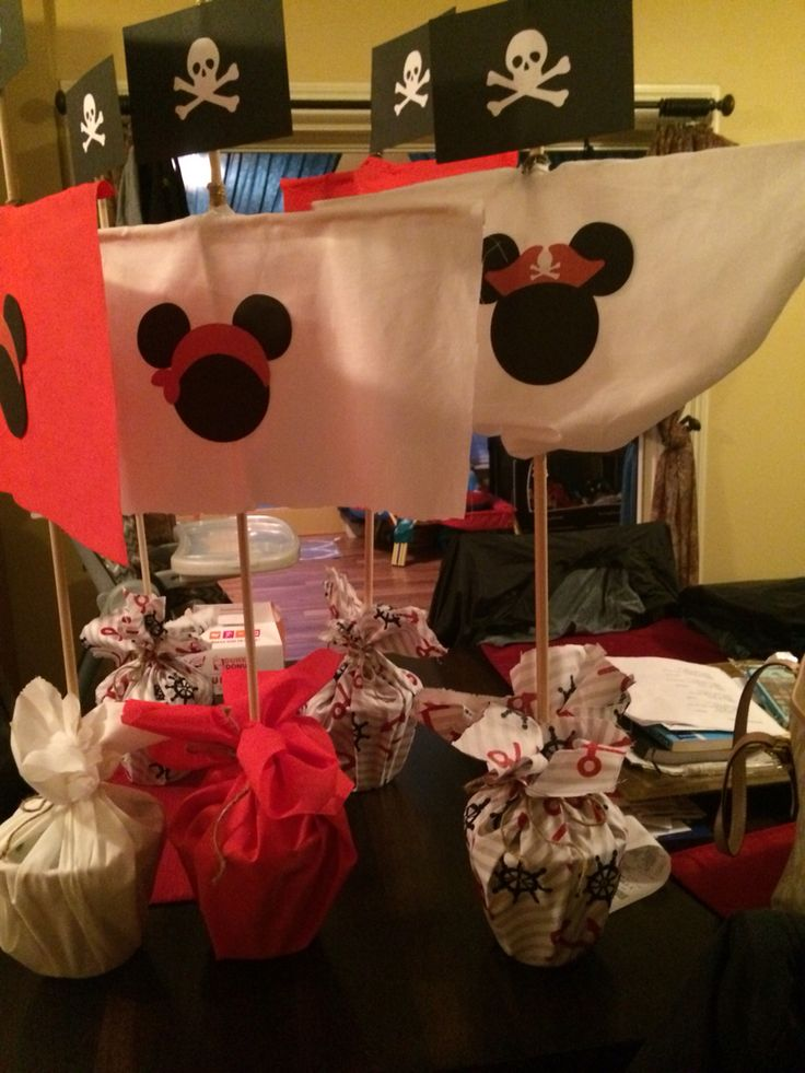 Mickey pirate sail centerpieces