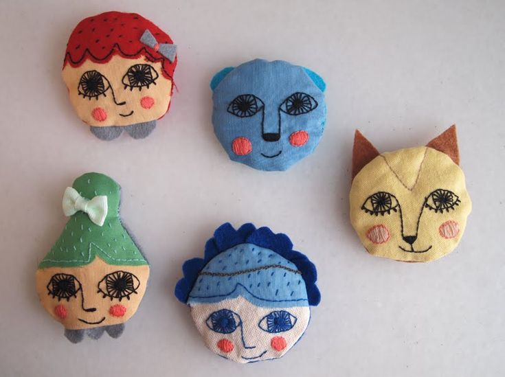 I could make these! Cute for wearing or on refrigerator!