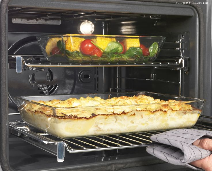 Cuptorul cu convecție RAFFINERAD te ajută să pregătești mai multe feluri de mâncare în același timp, fără ca aromele să se amestece.