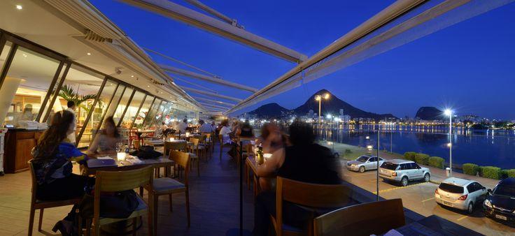 Lagoon Gourmet, Rio de Janeiro | Five in one restaurant complex with a magnificent view. One of the most exclusives sites in Rio. // Complejo de cinco restaurantes en uno con una magnífica vista. Uno de los sitios más exclusivos de Rio.   #RioDeJaneiro #Brasil #Brazil #Restaurants #LagoonGourmet #Exclusive  http://olivermag.com/lagoon-gourmet-review/