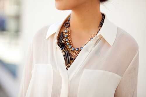 .: Work Wardrobes, Statement Necklaces, Style, White Shirts, Classic White, Boyfriends Jeans, White Blouses, Fashion Bloggers, Chunky Necklaces