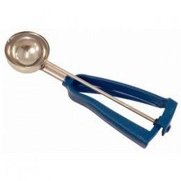 Cuchara de helado para echar cantidades iguales de masa en cada cápsula o linner.