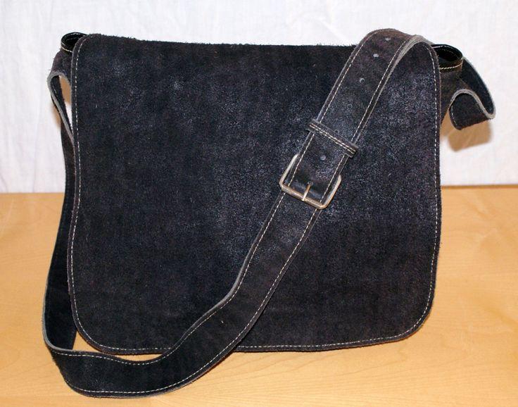 Beautiful Vintage Black Suede Leather Maxi Bag Shoulder Bag Borsa Donna con Tracolla in Pelle Nera Scamosciata Multitasche Zip e Ribalta di BeHappieWorld su Etsy