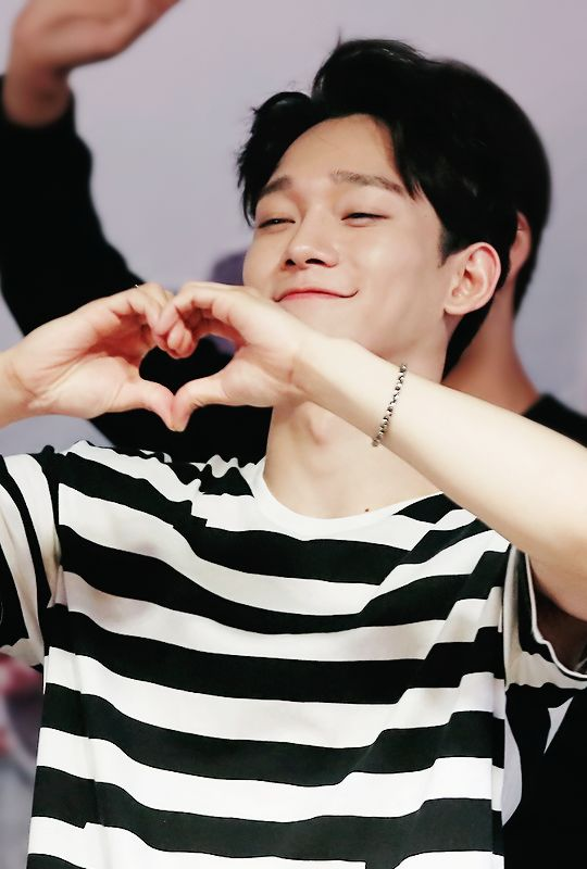 chen loves everyone and everything; so why doesn't everyone love chen??? =(