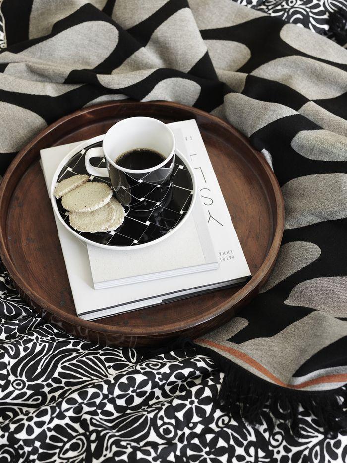 Marimekko's Linssi blanket