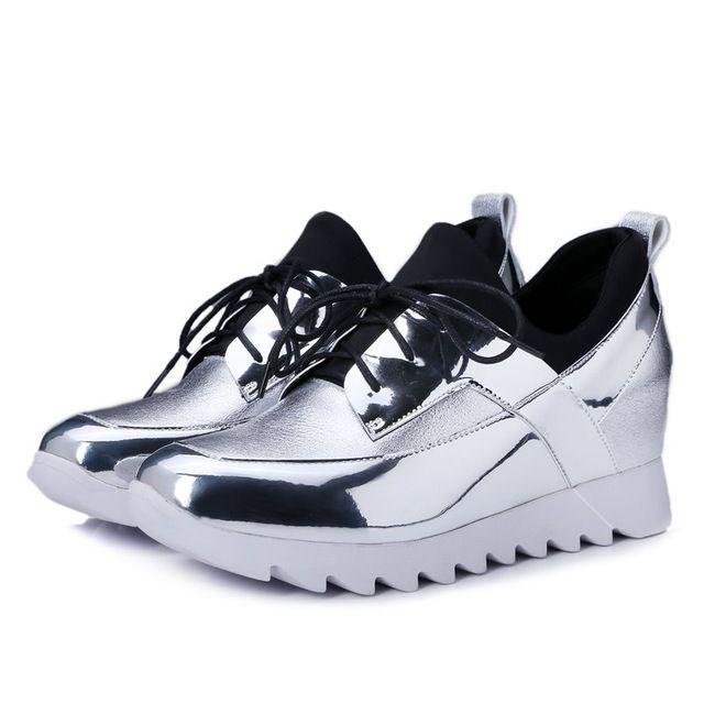 Горячая распродажа круглого toe кружева-up лоскутное полный из натуральной кожи мода свободного покроя на низком каблуке туфли на платформе высокое качество квартир женщин