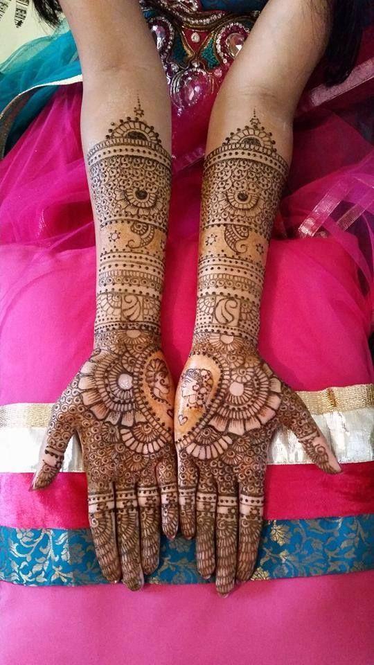 Detailed bridal henna