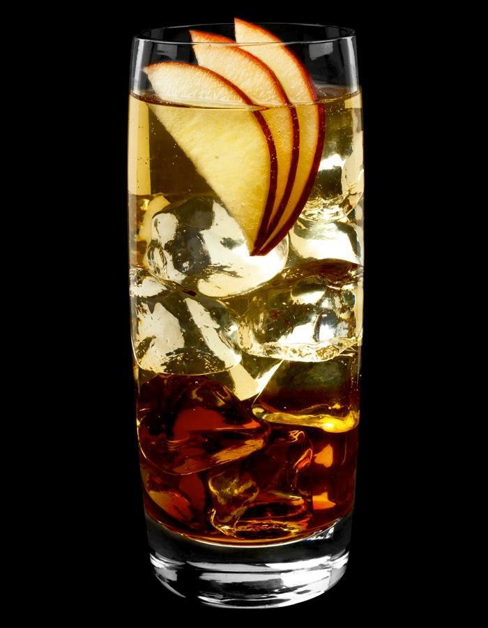 Tia Maria cocktail - Tia Royale – mixed with:    3.00 cl Tia Maria  7.50 cl sparkling champagne  7.50 cl apple juice.    Pinned using PinFace!