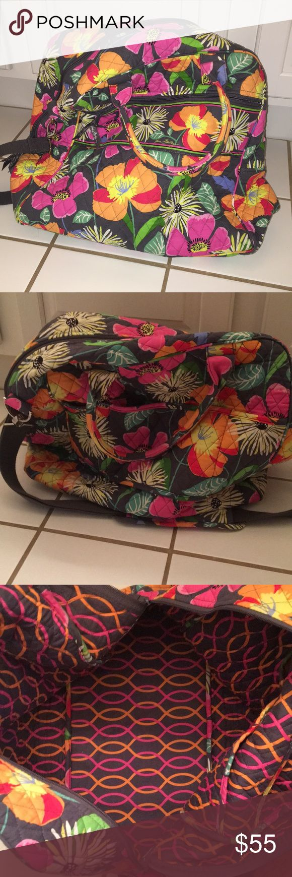 Vera Bradley Travel Bag EUC. NO FLAWS! gently used only a few times! excellent used condition! Vera Bradley Bags