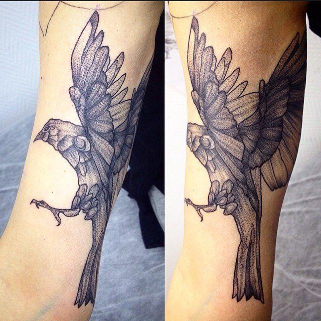 Птица, процесс ( часть рукава). . . .  #фиштату #фишчемоданов #чемоданов #тату #татуза #татусалон #татумосква #татумодель #птица #москва #мск #чб #лайнворк #арт #fishchemodanov #chemodanov #taty #tattoo #tattoos #tattooed #tattooart #art #msk #moscow #tattoomoscow #bird #birdtattoo #linework #dotwork