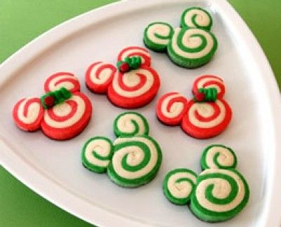 mickey christmas cookies... Gonna have to make these!!!!: Holiday, Disney Christmas, Christmas Cookies, Food, Cookie Recipe, Minnie Peppermint