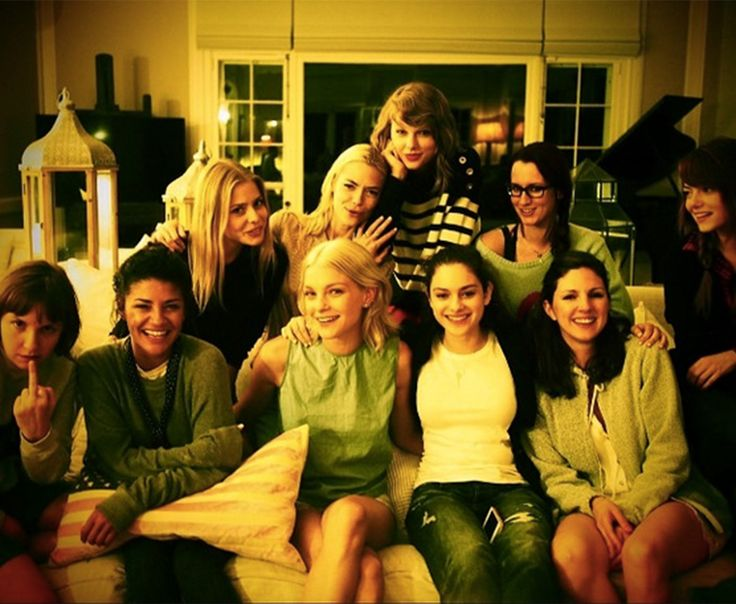 Taylor Swift Throws Star-Studded Fourth of July Party Weekend With Emma Stone, Jaime King, Lena Dunham: Pictures, Details