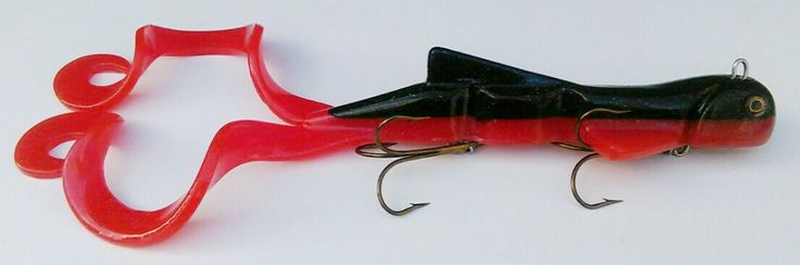 Pike Lure 15oz 'Red Bomber' Twintail lures4pike.co.uk
