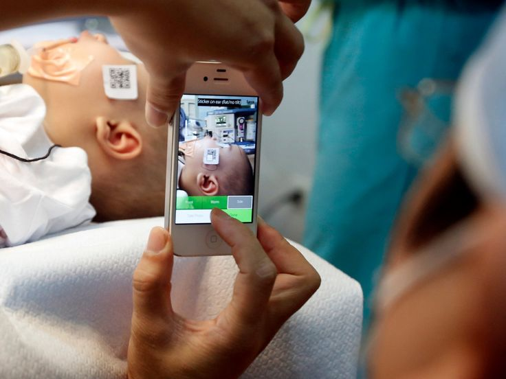 One quote from Apple's newest hire reveals how the company could disrupt medicine (AAPL)