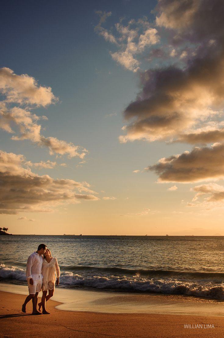 Ensaio Fotográfico de Casal na Praia Ilhabela.