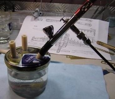 Airbrush Cleaning Jar by Sergej Voronko -- Homemade airbrush cleaning jar constructed from a jar with a metal cap and rubber tubing. http://www.homemadetools.net/homemade-airbrush-cleaning-jar
