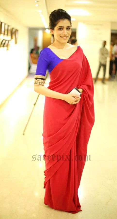 Gazal-Somaiah-red-saree-Impressions-Art-Show-Launch