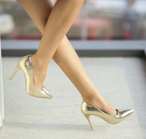 Pantofi Gabor Aurii - <br>Culoare:  Auriu<br>Dimensiune toc:  10<br>Material:  Piele eco Colectia Pantofi cu toc de la  www.cutoc.net