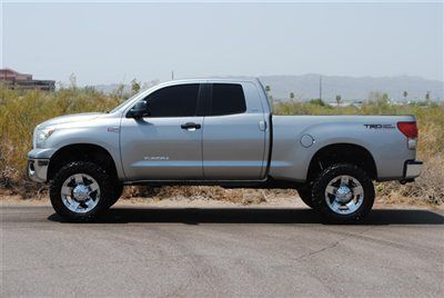 LIFTED 2007 TOYOTA TUNDRA DOUBLE CAB 4X4 SR5...LIFTED TOYOTA TUNDRA SR5,