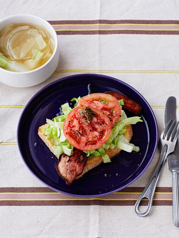 Recipe:玉ねぎのスープとBLTオープンサンドとかぶ
